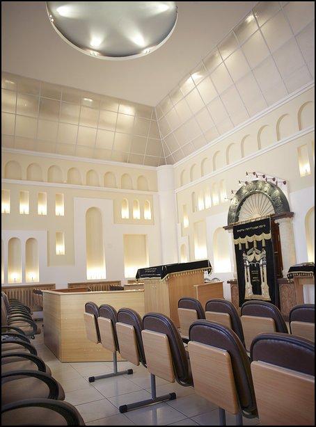 021-synagoge-Birobidschan-neu-2004-saal